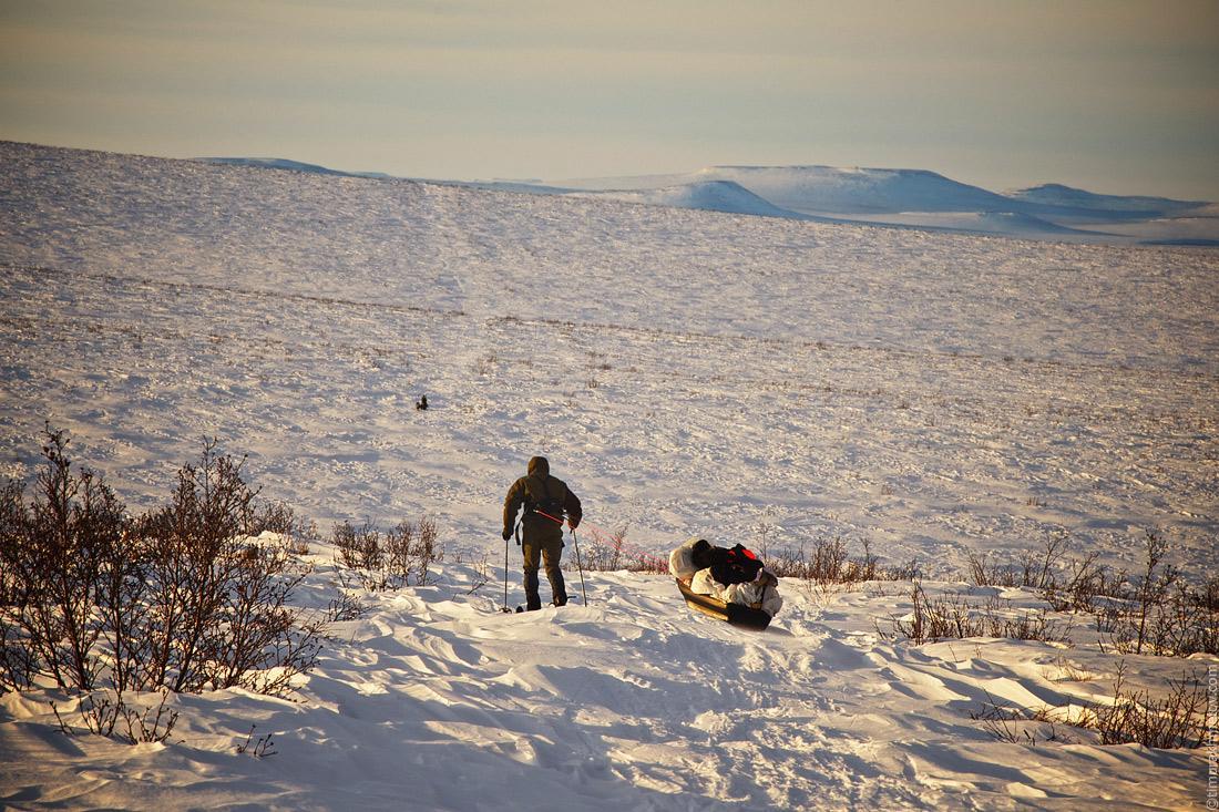 15 километров бесконечных спусков и подъёмов до метеостанции прошли в такой местности