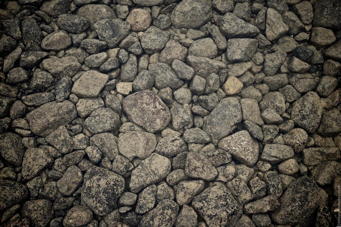 камни на дне озера