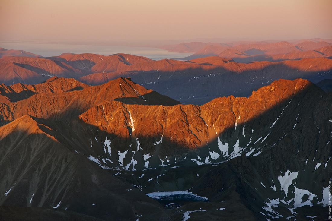 Чукотские горы на рассвете с вершины Большого Матачингая