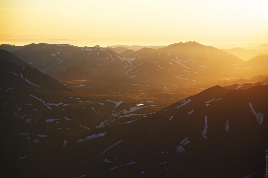 Рассвет среди гор на Чукотке