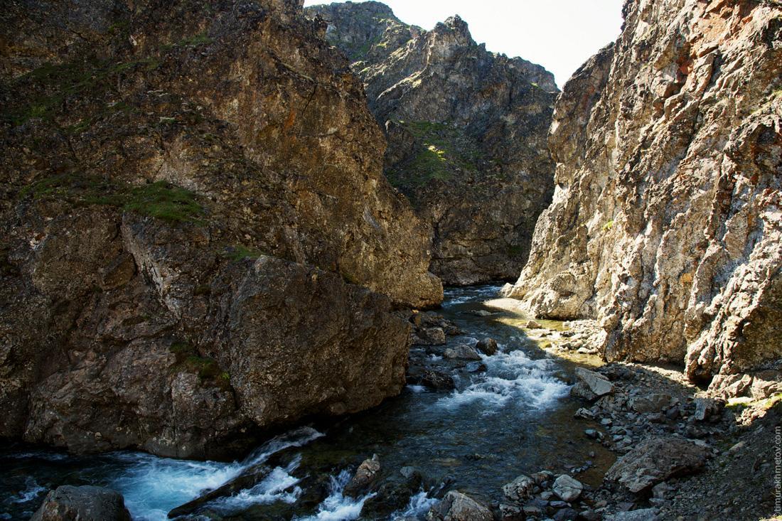 Ручей в каньоне.