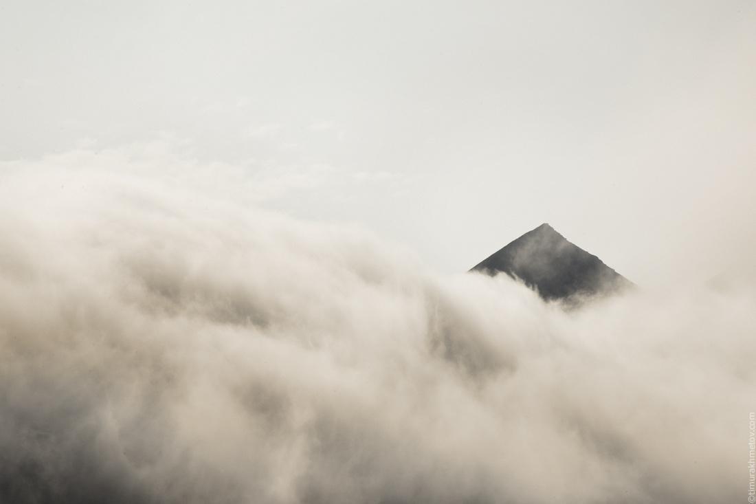 Горы в тумане.