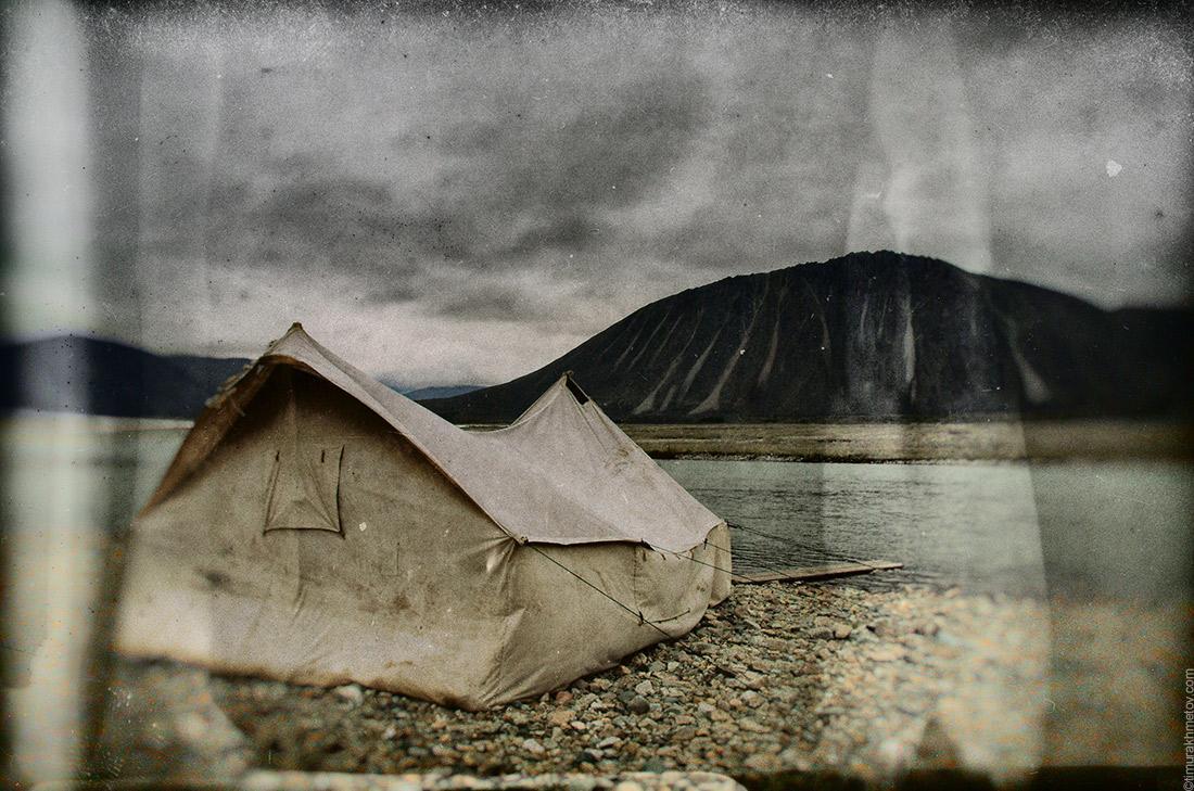 Старая брезентовая палатка