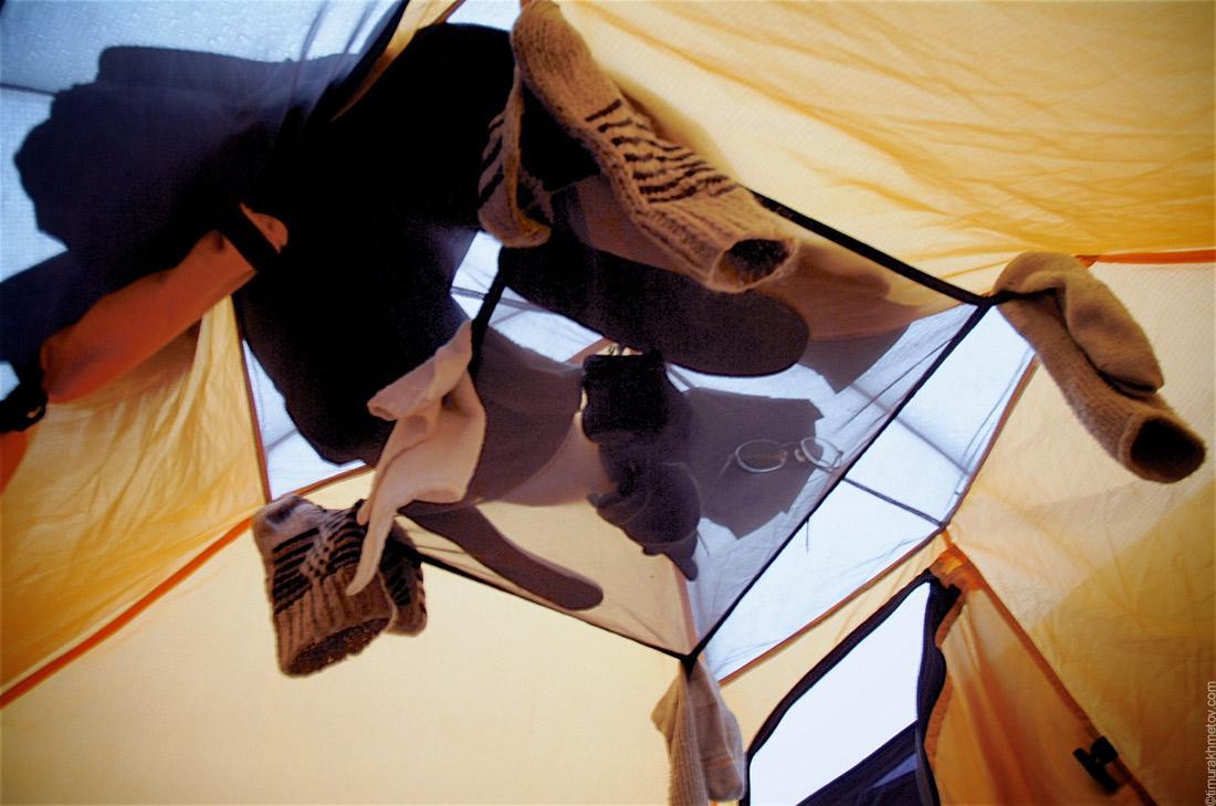 Носки в палатке
