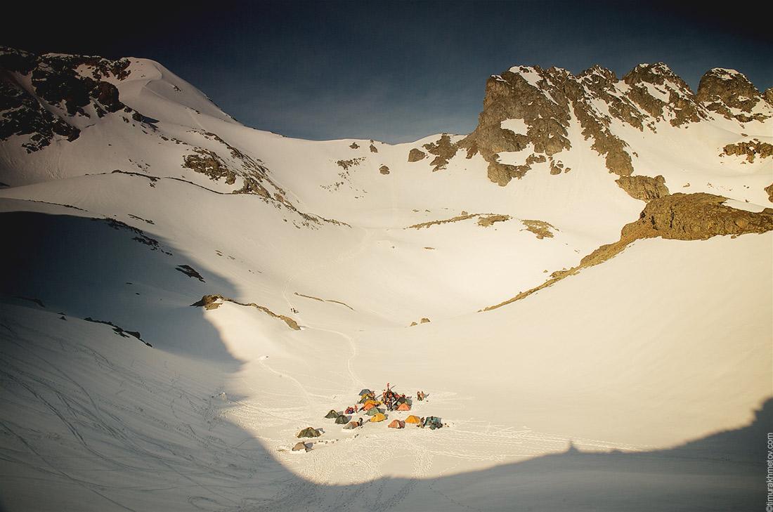 Позитивная картина альпинисткого табора в Архызе