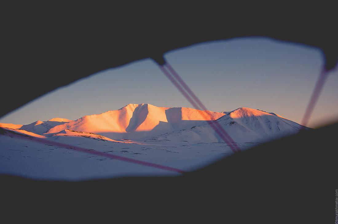 Вид на горы из палатки