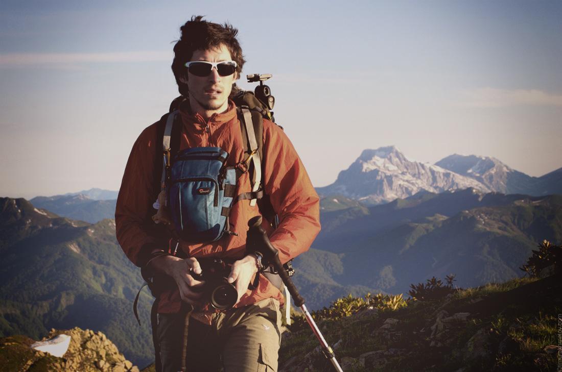 Я на фоне горы Фишт, фото Димы Ковинова