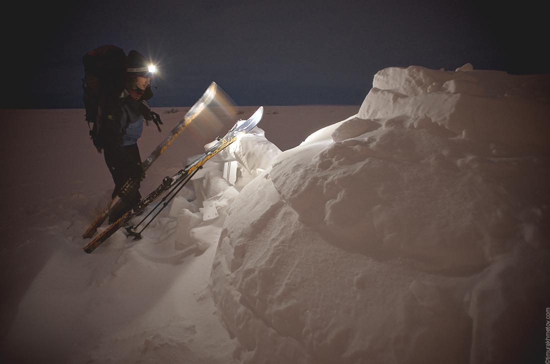 Лыжный туризм. Иглу в тундре.