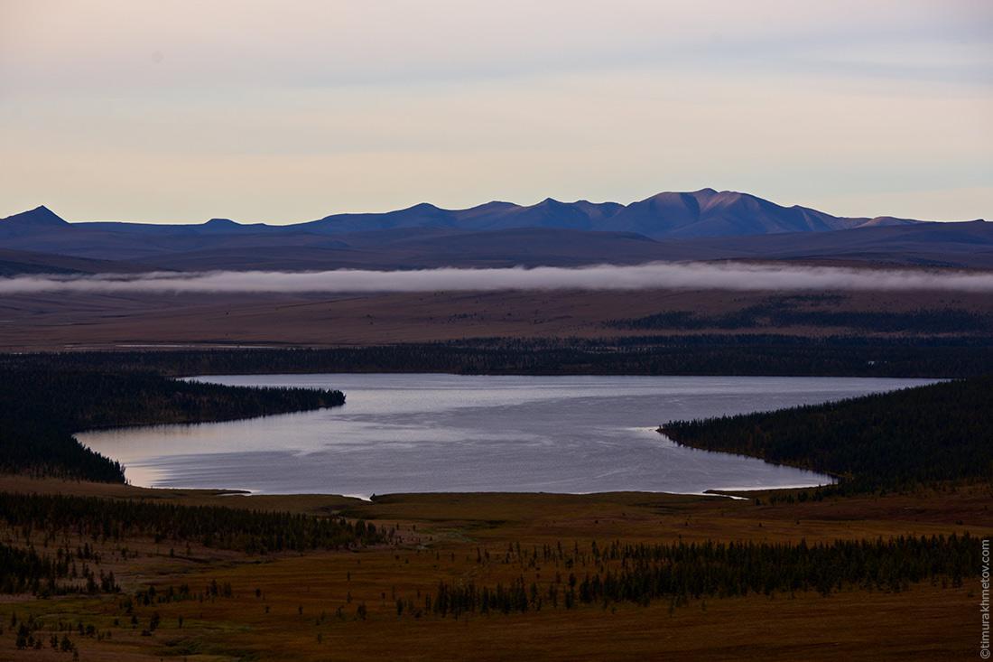 Рассвет на озере Лесное